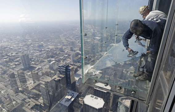 TOPP APTOPIX Willis Tower Ledge Cracks